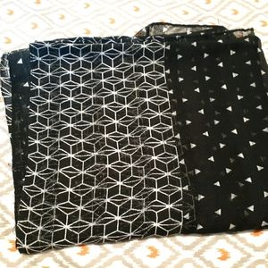 White and black dots Scarf